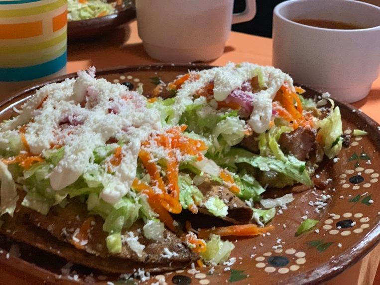 Tacos dorados de cenaduría
